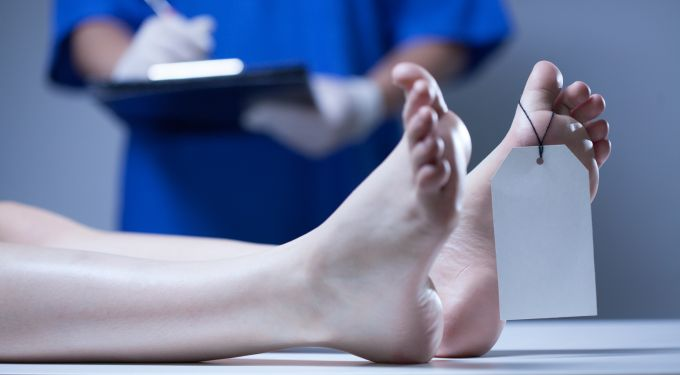 Horizontal view of nurse in a mortuary